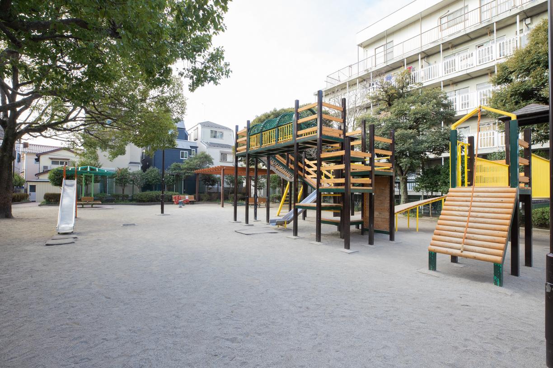 船堀5児童遊園  徒歩約5分(約384m)