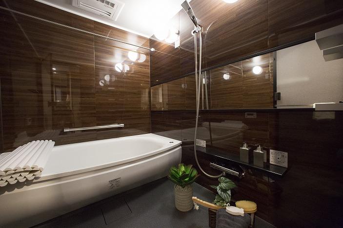 1620の大型浴室