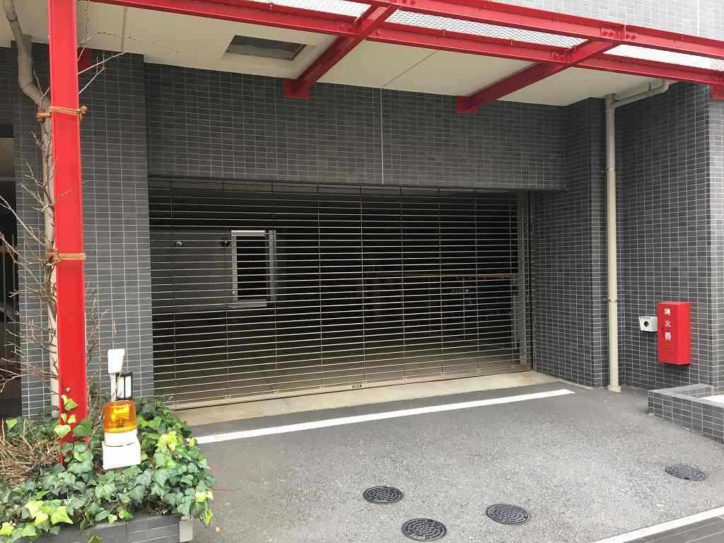 シャッター付き駐車場(空有)