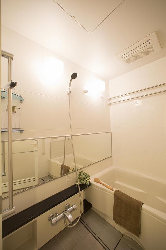 浴室乾燥機付なので、雨の日のお洗濯にも大活躍です