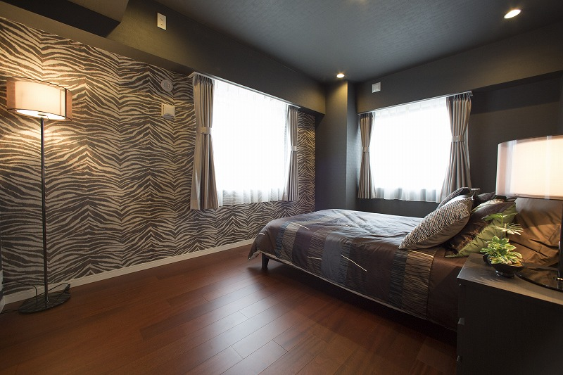 収納たっぷりのウォークインクロゼット付、高級感あるれる主寝室
