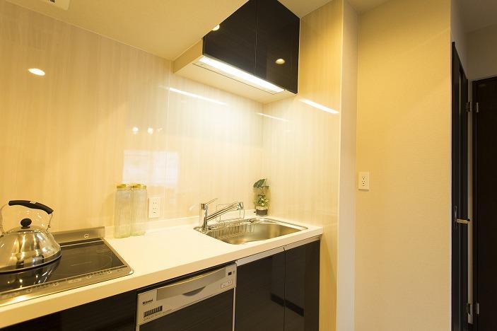 IHクッキングヒータ採用の食洗器付キッチン