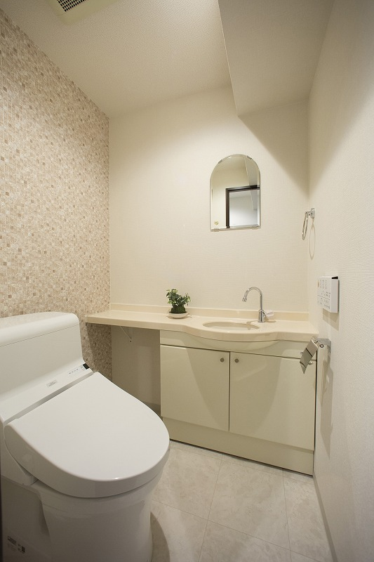 ウォシュレット付トイレ、手洗い器付