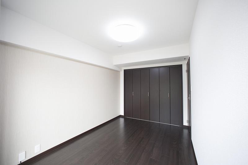 洋室2は玄関すぐ横にあります。