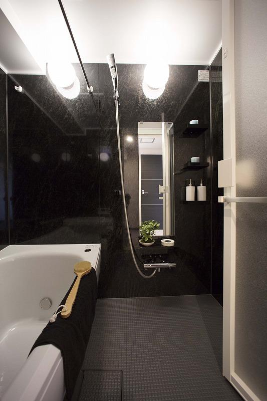 雨の日のお洗濯にも大活躍な浴室乾燥機付、追い焚き機能付!