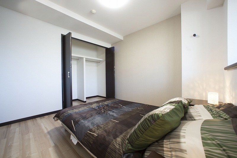 一日の疲れを癒す主寝室、約6.0帖