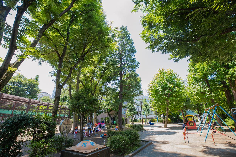 文京区立宮下公園  徒歩約7分(約500m)