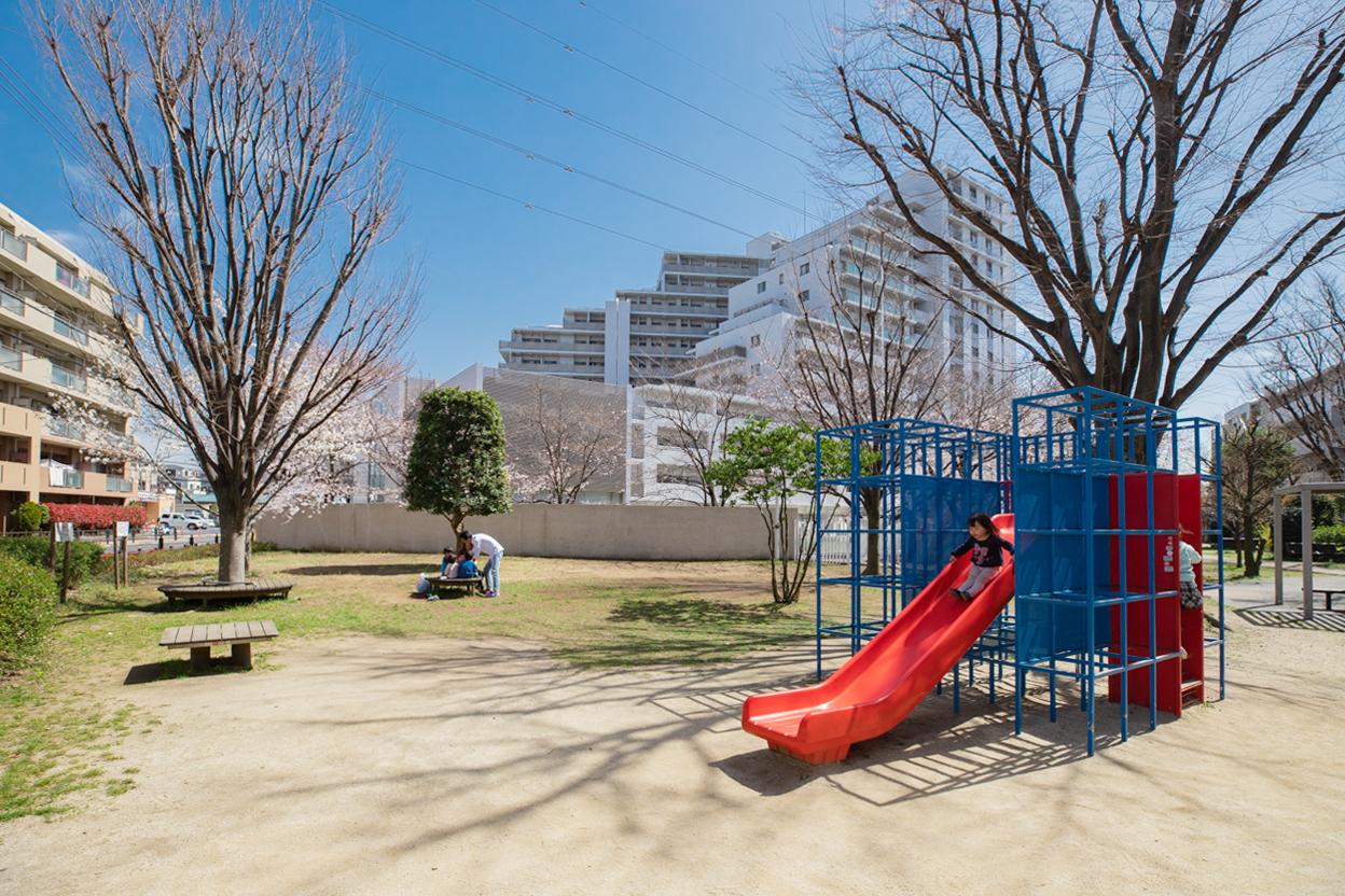 区立中新井川児童遊園 徒歩約1分(約10m)
