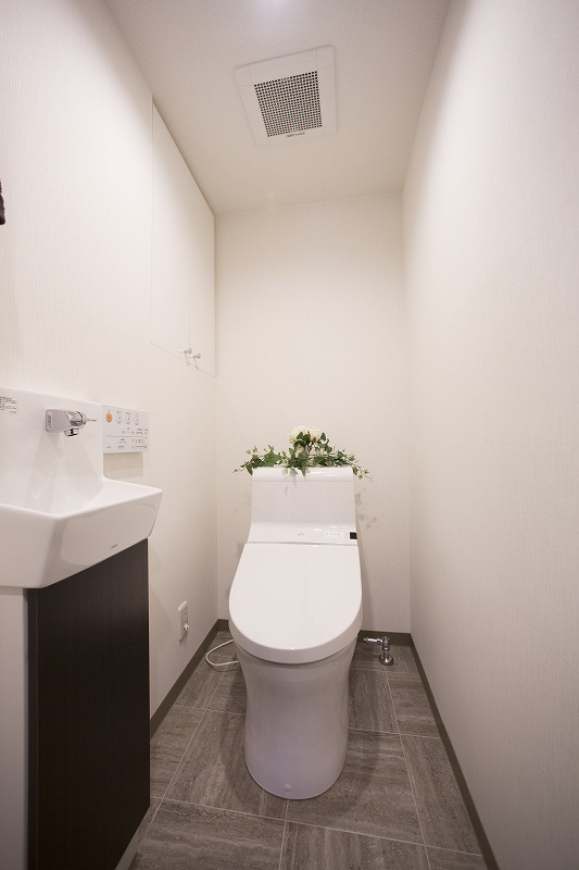 ウォシュレット付トイレ 手洗い器付き
