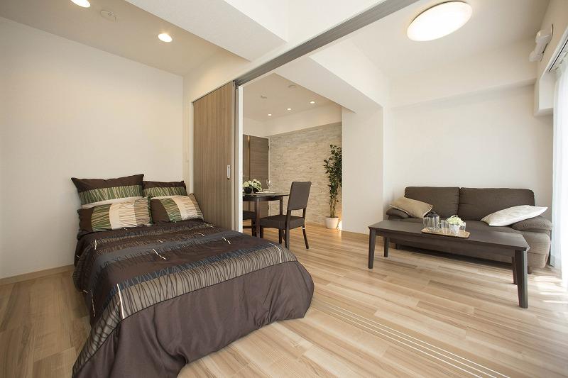 洋室はリビングとつながってあり、開放感があります。