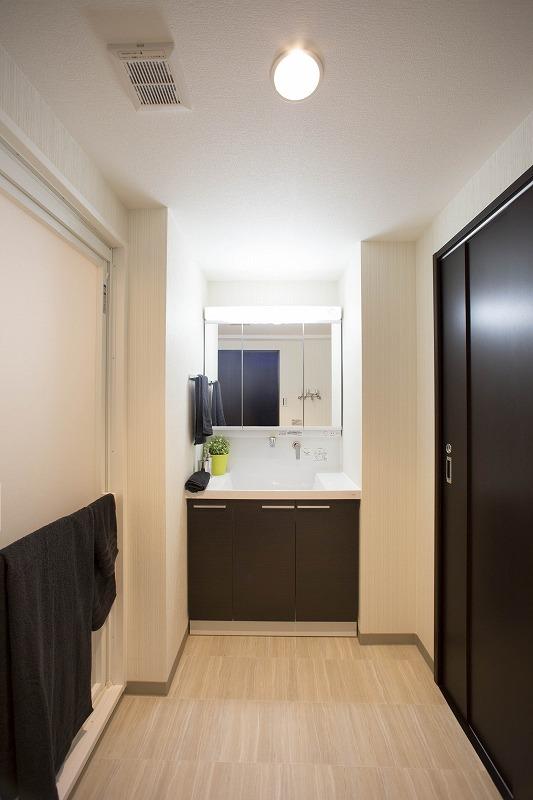 洗面所、洗濯機置き場あり