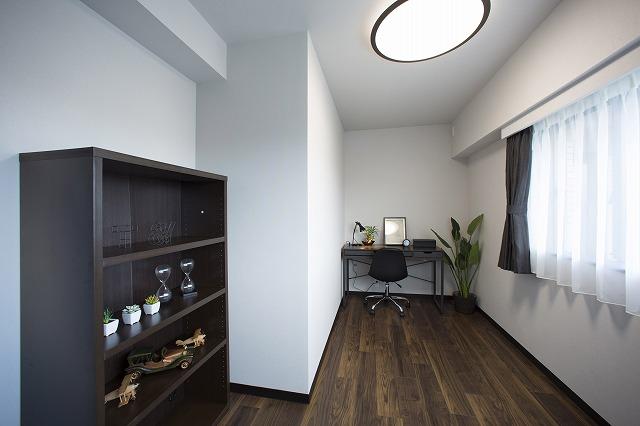 緑に包まれたお部屋。書斎としても気分転換にぴったり