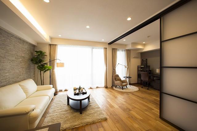 リビングは隣接した洋室と一体としても使用できます