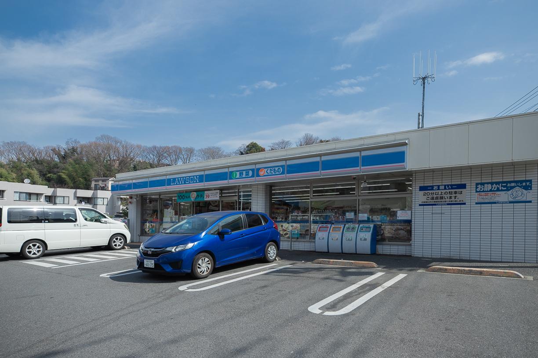 ローソン 横浜上菅田町店  徒歩約2分(約120m)