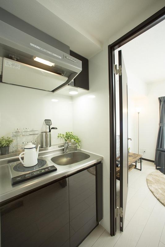 使い勝手を重視した機能性豊かな最新設備をラインナップしたキッチン(201号室)