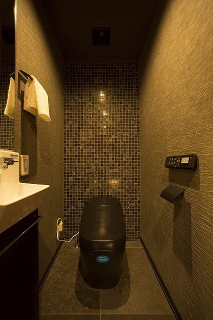 タンクレストイレ、手洗い器付