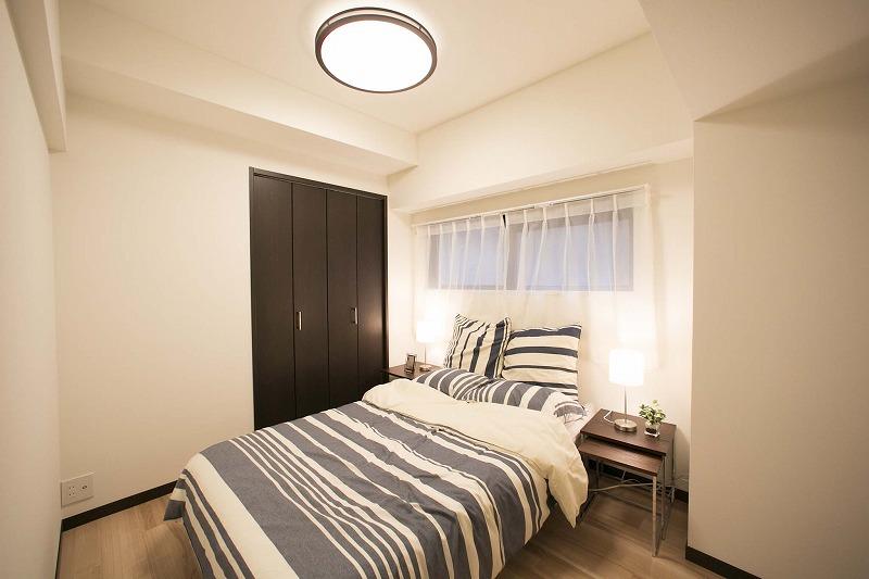一日の疲れを癒す広々な主寝室