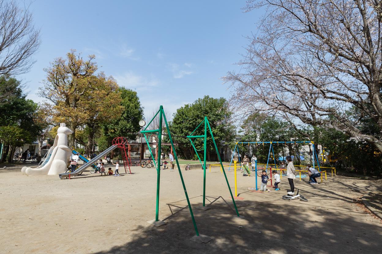 中野区立丸山公園 徒歩約9分(約720m)