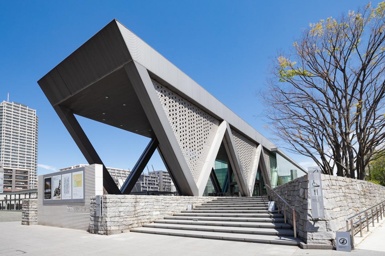 東京都現代美術館 徒歩約13分