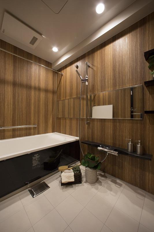 一日の疲れを癒す浴室、浴室乾燥器付、追い焚き機能付