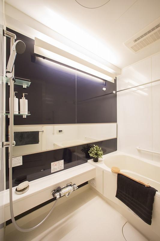 追い焚き機能付きのオートバス、浴室乾燥器付