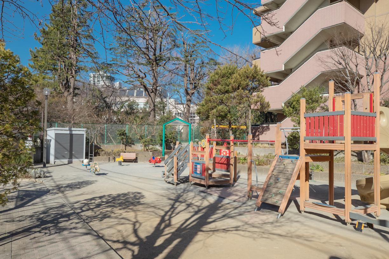 高松児童遊園  徒歩約2分(約116m)